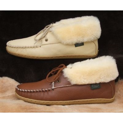 Women's 2-Eyelet Sheepskin Moccasin Slipper