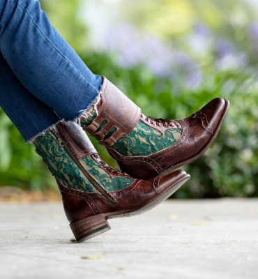 Faye Riding Boots Teak Rustic with Emerald Lace