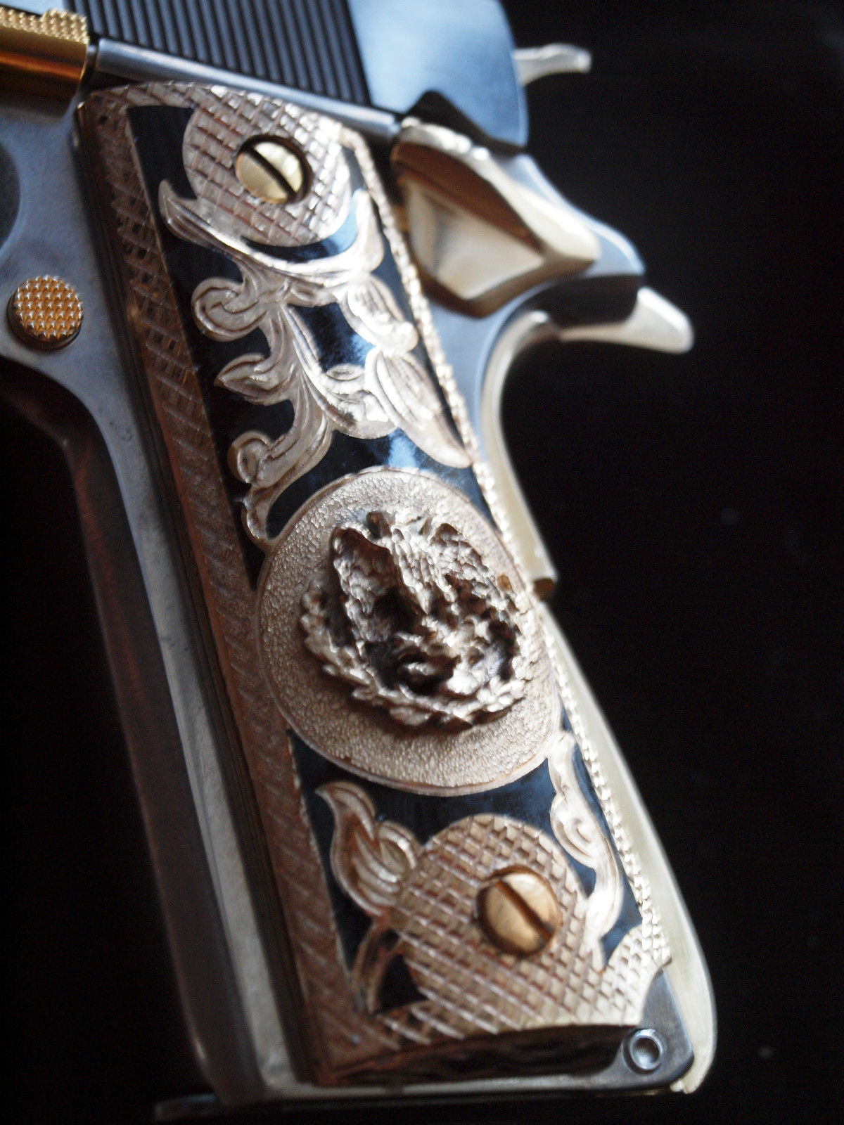 Mexican Eagle Emblem Inlay Handgun Grips with 24KGP