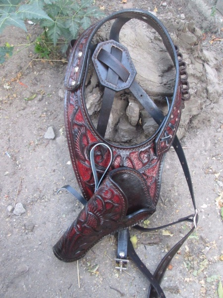Western Shoulder Holster with Ammo Side Plate